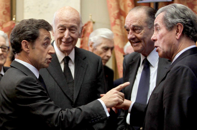 (L-R): former presidents Nicolas Sarkozy, Valéry Giscard d'Estaing and Jacques Chirac with Jean-Louis Debray, former head of the Constitutional Council. © Reuters