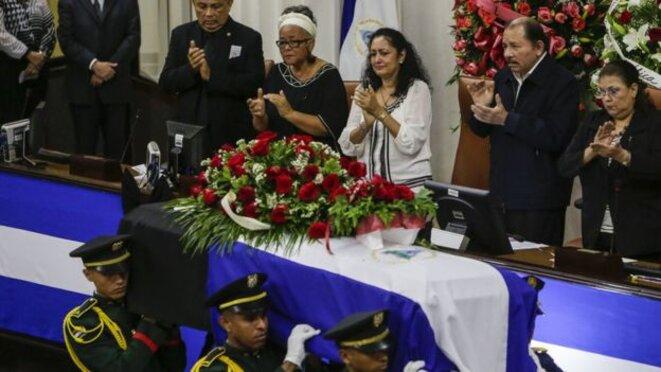 Le Président Ortega a pris part à l'hommage célébrant Nuñez au Parlement. Enterrait-il également le Front Sandiniste de Libération Nationale ?