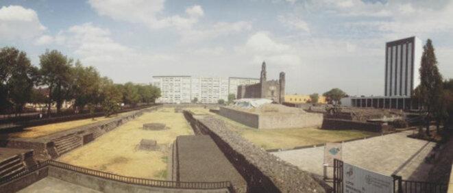 Tlatelolco, Place des Trois Cultures (qui tire son nom de la triple identité mexicaine : pré-hispanique, espagnole et métissée), 2016. © (moi-même)