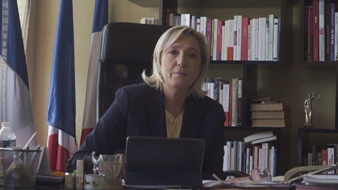 Marine Le Pen lançant son site de campagne pour 2017.