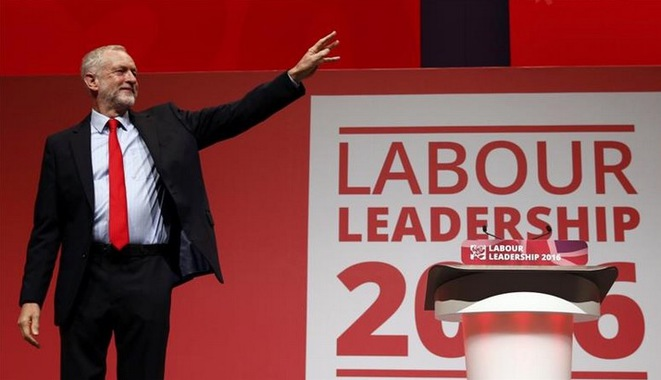 Jeremy Corbyn, lors de sa réélection à la tête du Labour, le 24 septembre dernier à Liverpool © Peter Nicholls/Reuters