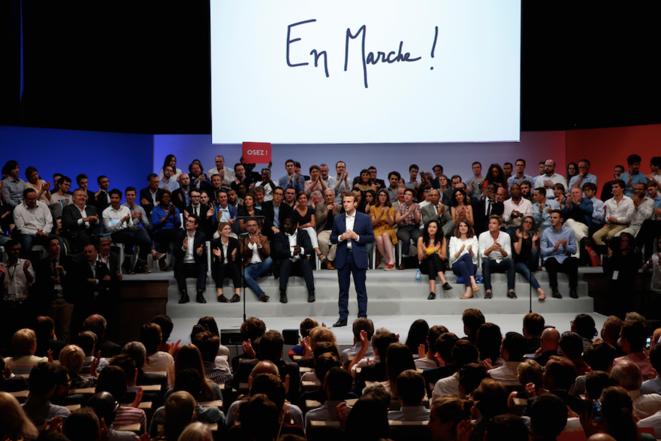 12 juillet 2016. Emmanuel Macron lance son mouvement à la Mutualité.