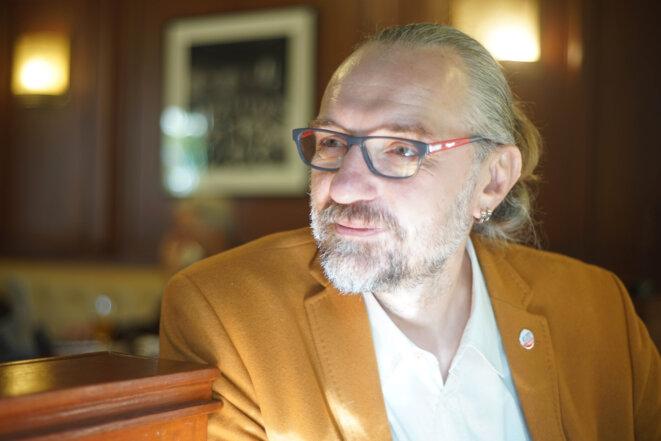 Mateusz Kijowski, chef de file du KOD (Comité de défense de la démocratie) © Amélie Poinssot