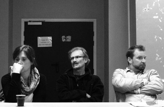 Nathalie Bourrier (à gauche) venue de Savoie évoquer le cas de Josette, factrice à Courchevel, décédée, et Sébastien Carré, qui a aidé Emeline, aujourd'hui mis à pied (à droite). © Rachida EL Azzouzi
