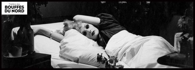 """Sous les ors décatis des Bouffes du Nord, Judith Chemla, dirigée par Benjamin Lazar, est une incandescente """"Traviata"""". © © Cie Benjamin Lazar"""
