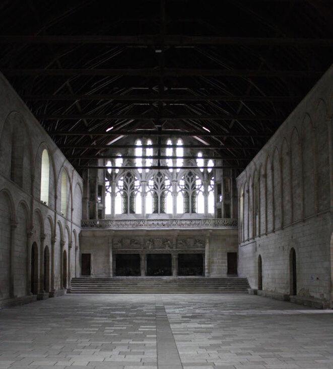 La salle des pas perdus du Palais de Justice de Poitiers