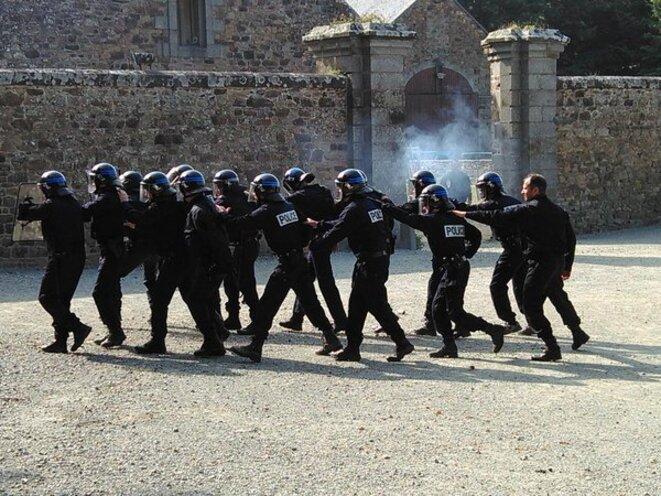Policiers rennais à l'entraînement. © DR