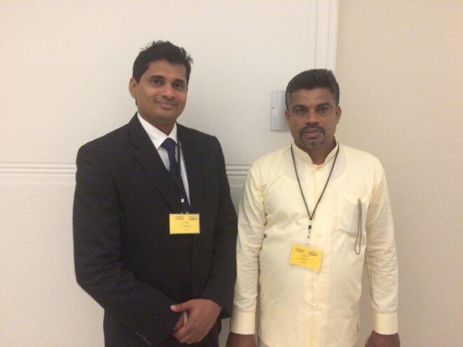 Channa Jayasumana (à gauche) et Kolon Saman, avocat et agriculteur sri-lankais. © LL.