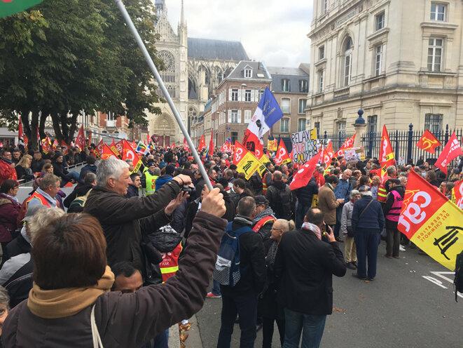 Devant la cour d'appel d'Amiens mercredi 19 octobre au matin © CG