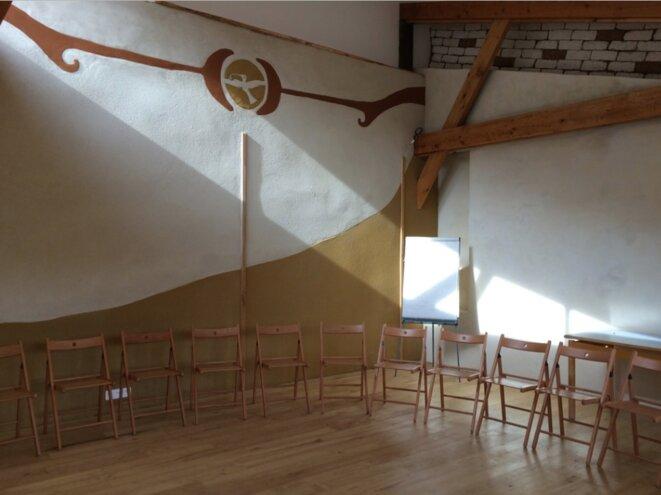 La salle de réunion des Amanins © jade Lindgaard