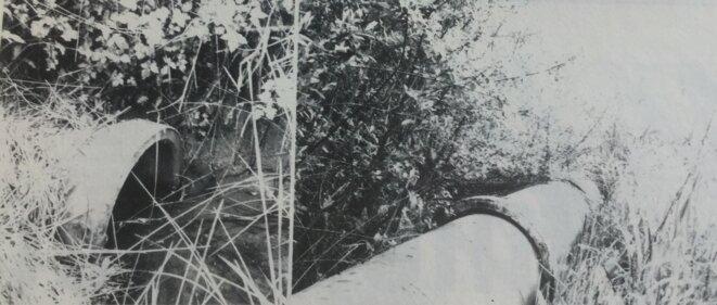 """Tuyau sensé capter les eaux, non hermétique [Photo Marc Pillet dans """"L'Estocade"""", en 1983]"""