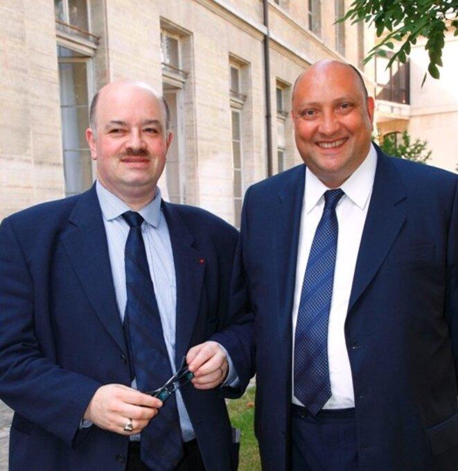 Pascal Renouard de Vallière (à droite), ici avec Alain Bauer. © relations-internationales.org