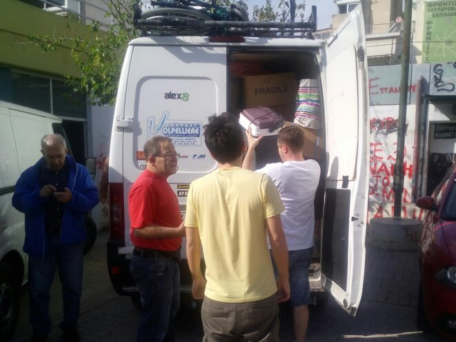 Livraison des médicaments à la pharmacie Solidaire de Patissia © Christophe Sauvant