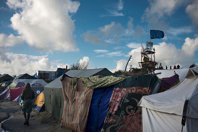 En la jungla de Calais, entre el 17 y el 20 de octubre de 2016. © Bertrand Gaudillère / Item