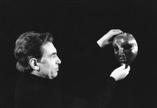 Jacques Lecoq et le masque neutre de Sartori © dr