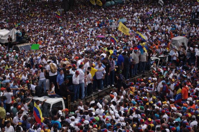 Des centaines de milliers de manifestants lors de la manifestation de l'opposition le 26 octobre © JBMOUTTET
