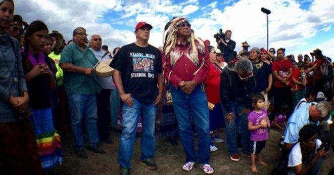 Le président tribal Archambault de la tribu sioux de Standing Rock (à gauche) et le chef Arvol Looking Horse © Jenni Monet