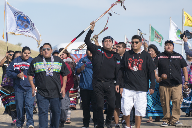 Manifestations des opposants au pipeline Dakota Access © Joe Brusky/Creative Commons