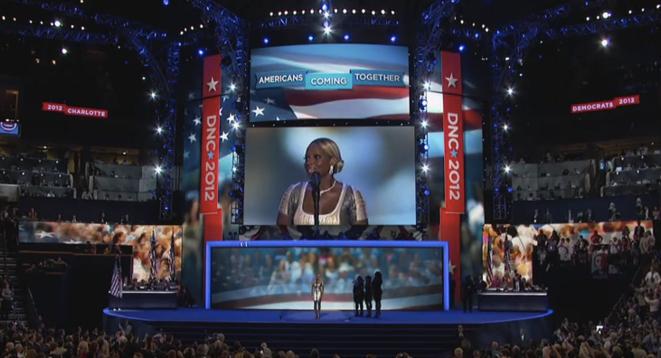 Mary J. Blige en concert en 2012 lors de la Convention nationale démocrate.