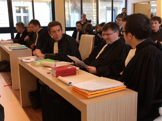 Les avocats des opposants à l'aéroport de Notre-Dame-des-Landes, le 7 novembre 2016. (JL)