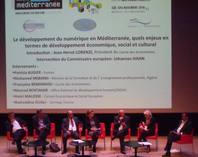 """Table ronde """"Développement du numérique et marché du travail en Méditerranée"""" © Philippe Léger"""