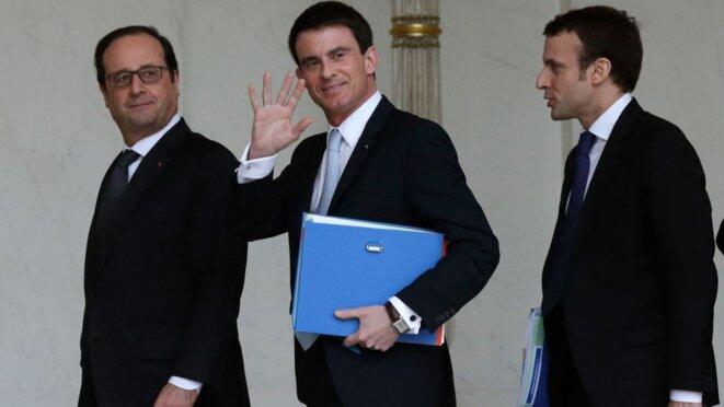 François Hollande, Manuel Valls et Emmanuel Macron lorsque ce dernier était encore ministre. © Reuters