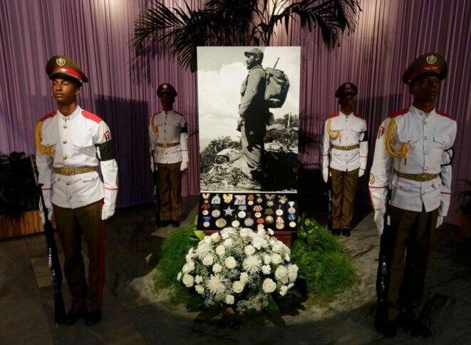 Des livres de condoléances ont été placés pour le public. © Reuters
