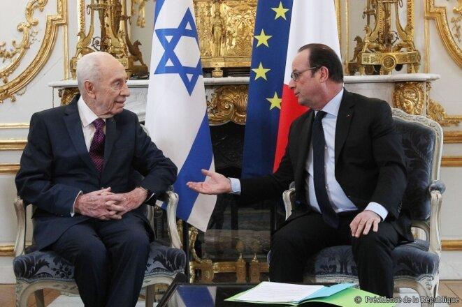 Shimon Peres était venu défendre l'intransigeance israélienne auprès de ses amis socialistes français en mars 2016