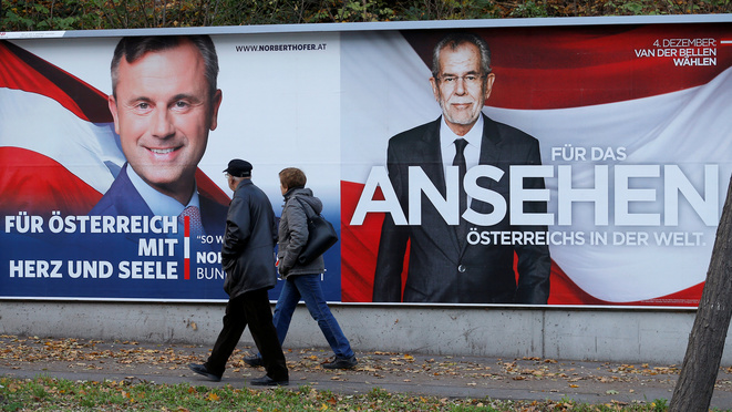 Affiches électorales des deux candidats, Norbert Hofer (extrême droite) et Alexander Van der Bellen (Verts) © Reuters