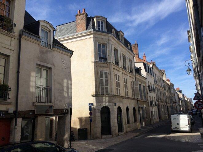 A l'angle, l'immeuble acheté dans le centre historique d'Orléans, en 2005, par Xavier Beulin. © Kl