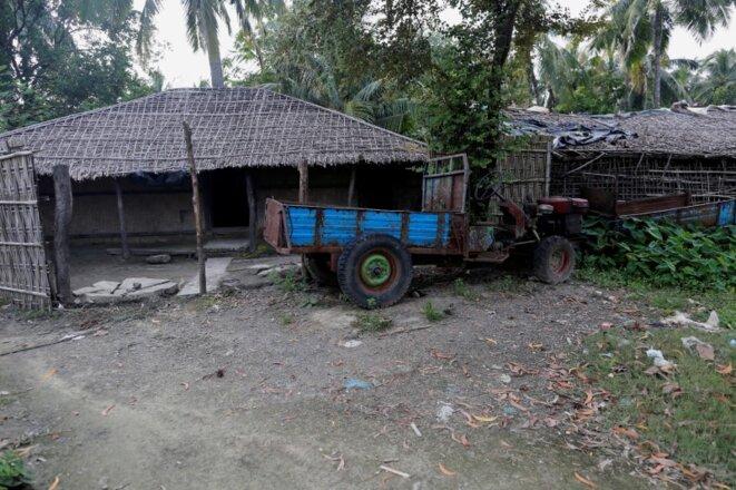 Une maison abandonnée par ses occupants Rohingya, dans le village de U Shey Kya, le 26 octobre 2016. © REUTERS.