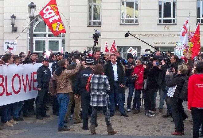 Raphaël Halet, devant la cité judiciaire de Luxembourg, le 12 décembre. © D.I.
