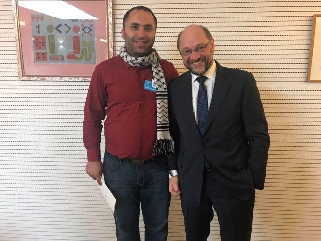 Issa Amro reçu par Martin Schulz au Parlement européen en décembre 2016.