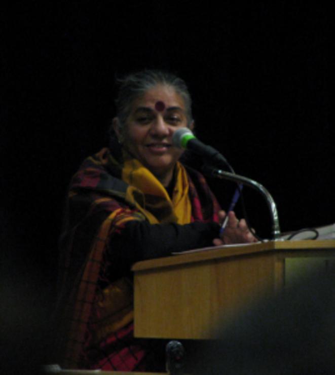 Shiva a un agenda très chargé sur le circuit international des conférences. Photo by Saskaboy | Flickr CC license