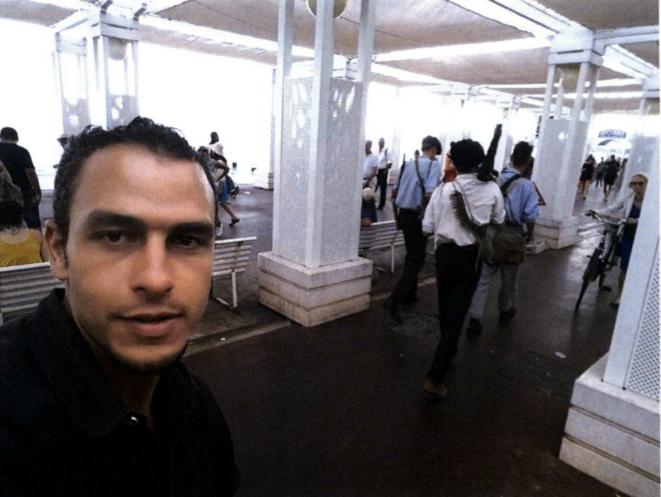 """Quelques heures avant l'attentat, Mohamed Lahouaiej Bouhlel réalise un """"selfie"""" sur les lieux de son futur crime. © DR"""