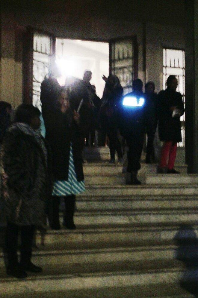 En sécurité dans l'Eglise, et la Police Nationale à la sortie de la Messe © Didier CODANI