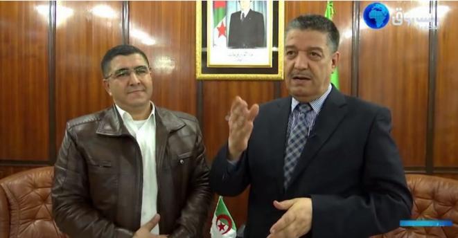 Toufik Zaibet en compagnie du ministre de la santé, Abdelmalek Boudiaf. © Echourouk News TV