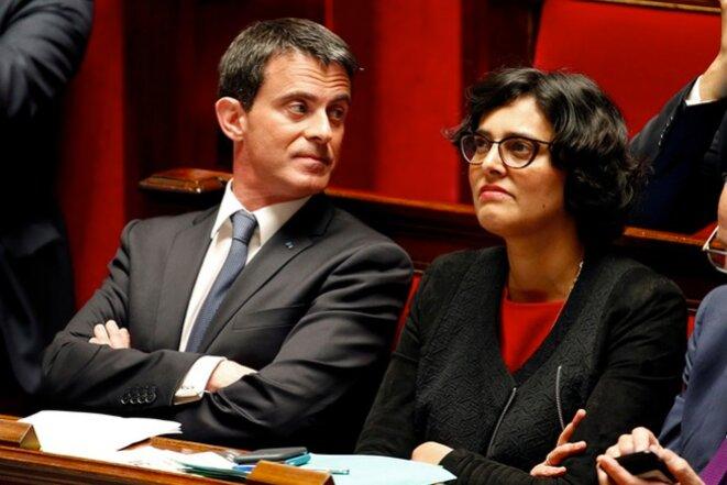 Manuel Valls et Myriam El Khomri lors du vote du troisième 49-3 en août © Reuters