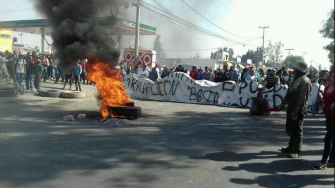 Blocage sur la route Texcoco-Lechería, Etat de Mexico © Anonyme