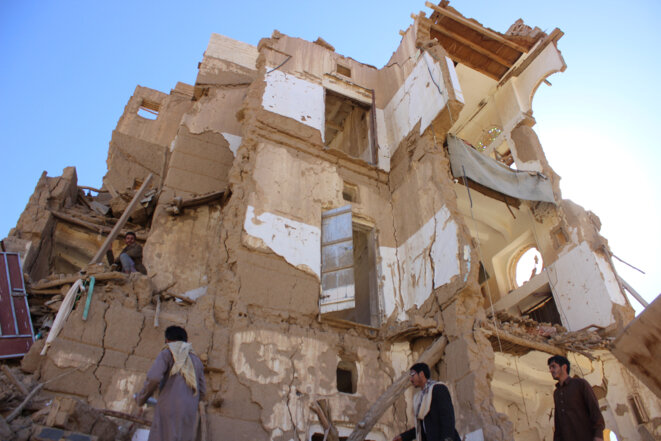 Une maison bombardée par la coalition emmenée par l'Arabie saoudite au nord-ouest de Saada. © REUTERS/Naif Rahma