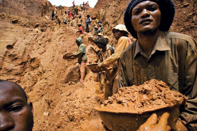 Des conditionsde travail inhumaines pour ces mineurs
