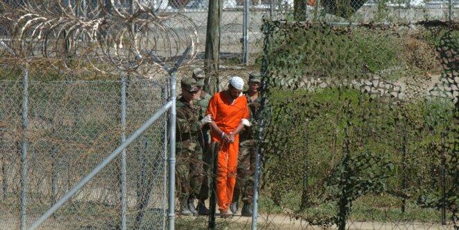 Le camp de Guantanamo, ouvert en 2002 sur l'île de Cuba et où la torture va être systématisée © Reuters