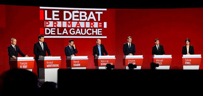 Les sept candidats sur le plateau © Reuters