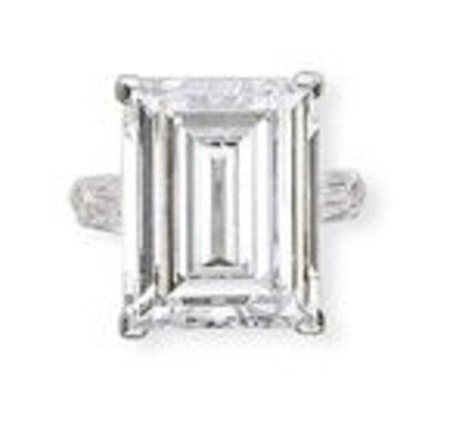 Le diamant de Mme Balkany. © DR