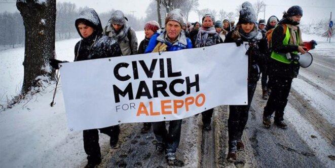 "La ""Marche vers Alep"" emprunte la ""Route des Balkans"" - une initiative exemplaire. © Marta Zienkiewicz"