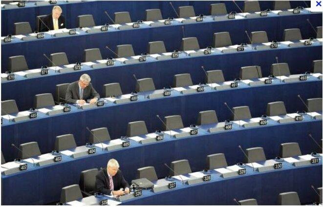 parlement-europeen-12000-e-par-mois-ca-fout-les
