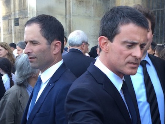 Benoît Hamon et Manuel Valls, à l'enterrement de Michel Rocard. © Antoine Perraud