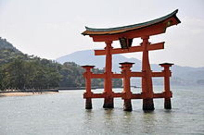 220px-torii-de-miyajima