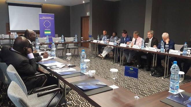 Août 2016 - Bruno Ben Moubamba rencontre les parlementairse européens à Libreville.