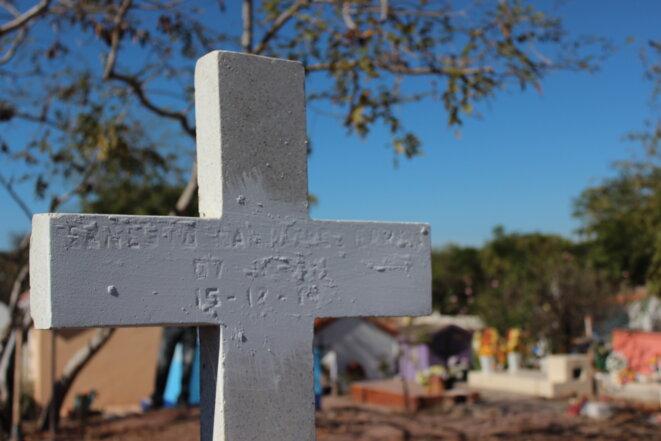 Cimetière mexicain abritant des fosses communes © Marcos Vizcarra (Diario Noroeste)